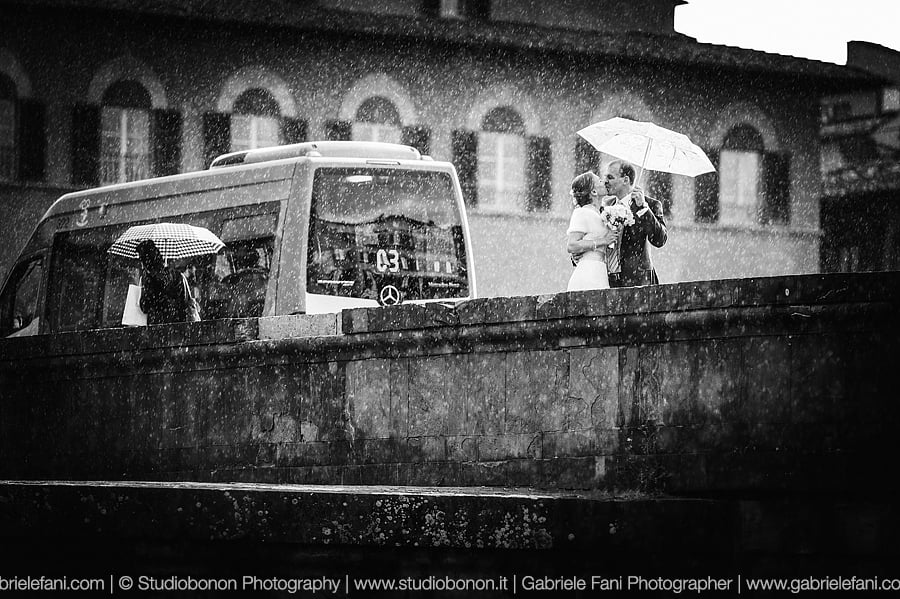024-Getting Married in Florence in a Rainy day