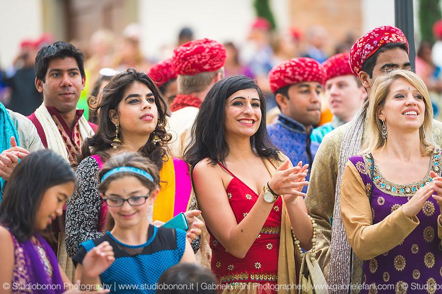 052-sari-guest-indian