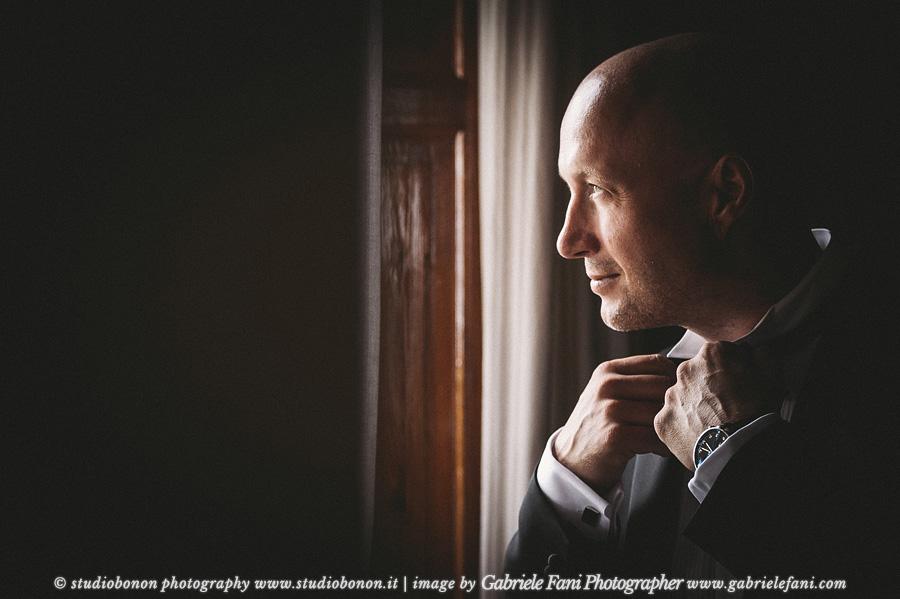 016-groom-portrait-getting-ready