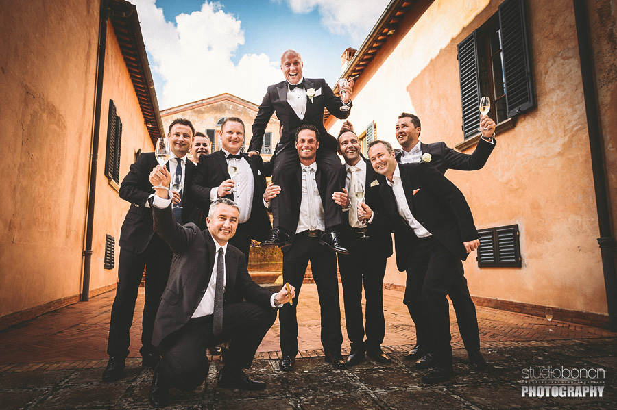 031-gromm-and-the-mens-wedding-in-tuscany-chianti-villa-nozzole