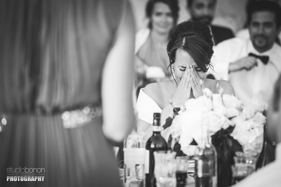 059-emotional-speaches-wedding-in-tuscany-chianti-bride-sister-moments