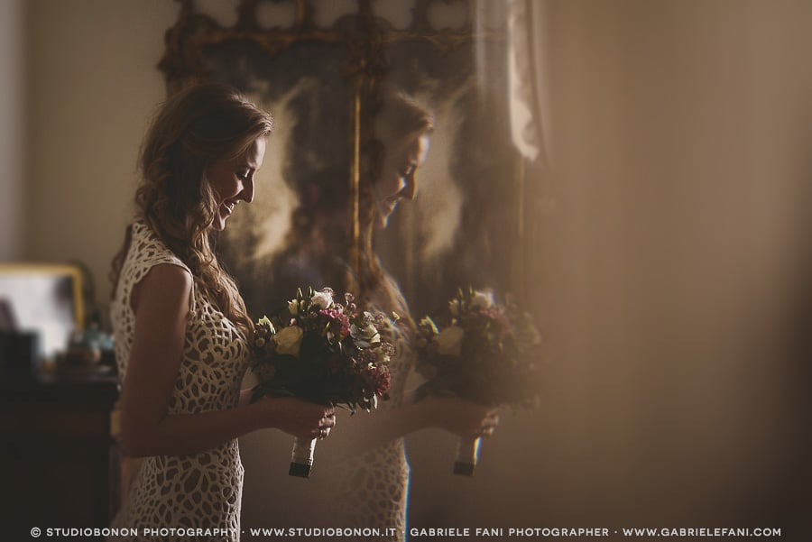 025-stunning-bride-portrait-mirrored-real-wedding-in-florence