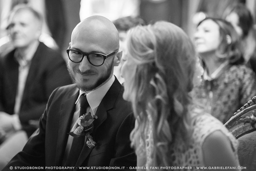 049-moment-during-civil-wedding-in-palazzo-vecchio
