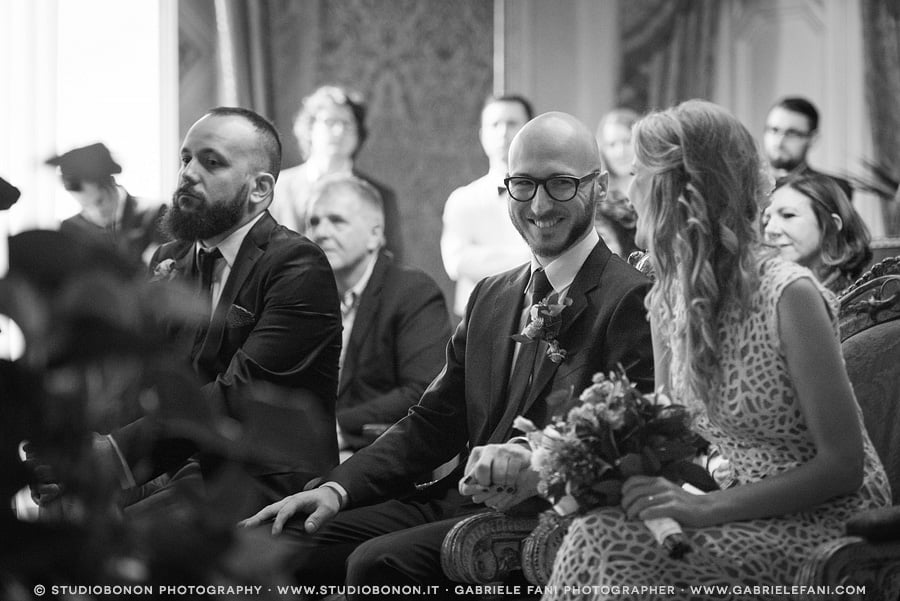 050-moment-during-civil-wedding-in-palazzo-vecchio