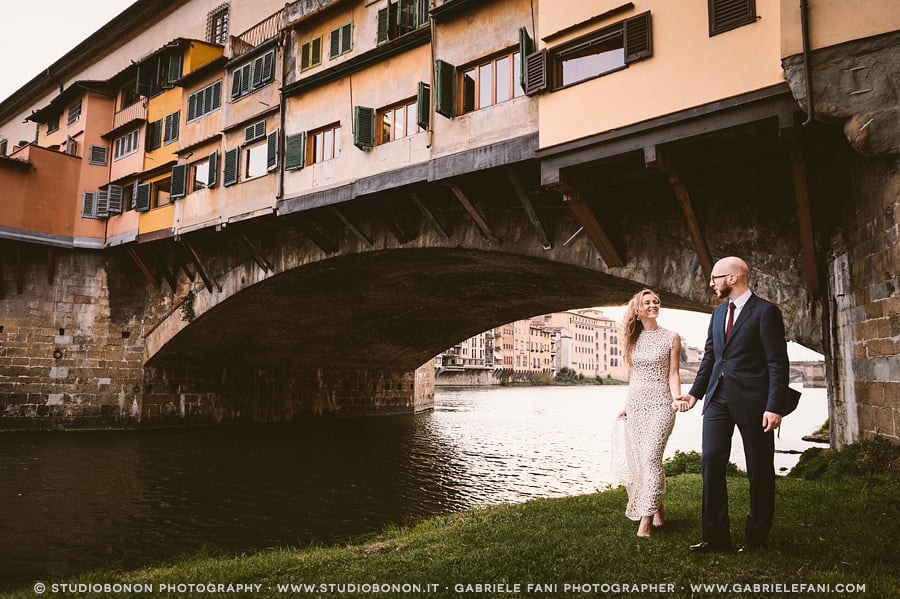 096-bride-groom-old-bridge-florence-portrait