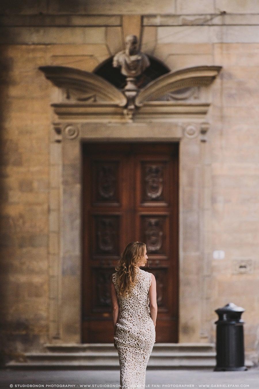 106-bride-portrait-uffizi-archway-love-her