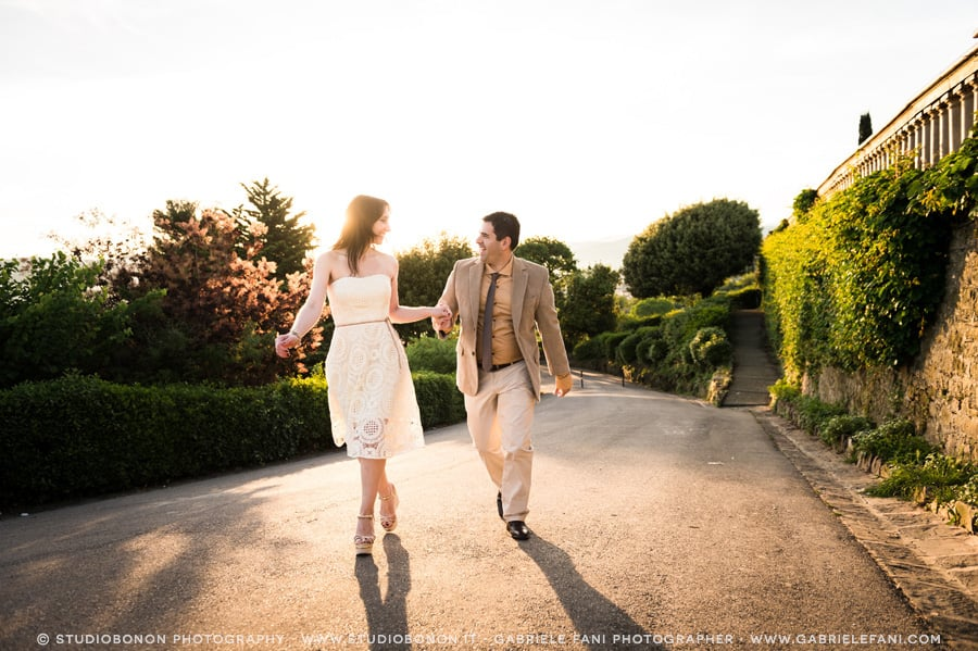 013-engagement-sunrise-at-florence-piazzale-michelagiolo-golden-hour