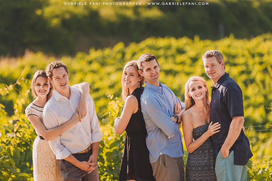 044-family-photography-into-the-vineyard