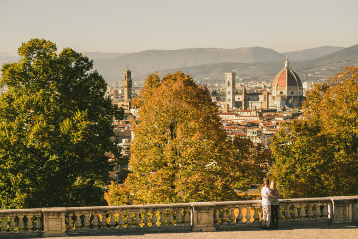 Discover Florence with vacation photographer Gabriele Fani. I'm available for couple portrait, engagement and pre-wedding photo shoot in Florence and Tuscany.