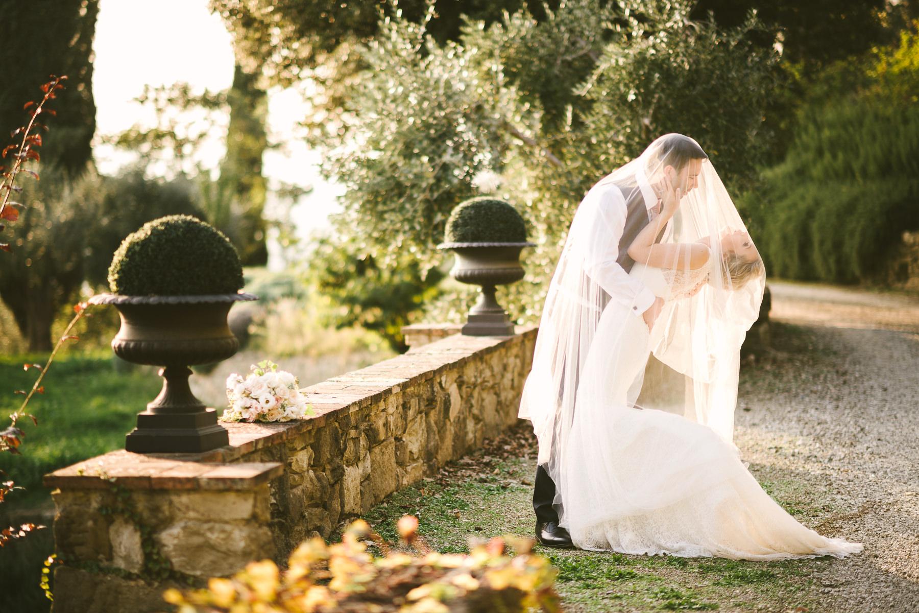 Tuscany countryside wedding at Villa Le Fontanelle Florence Gabriele Fani