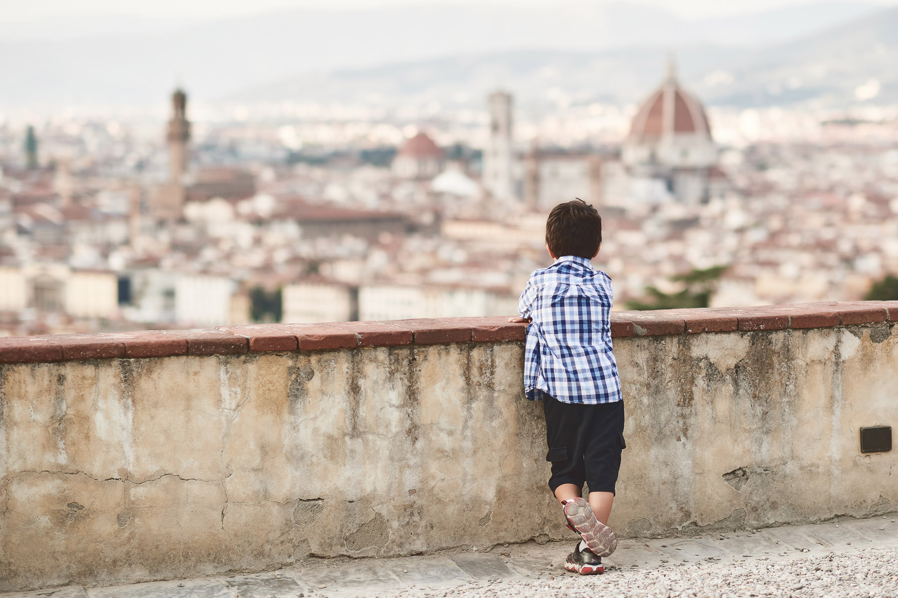 Kid love Florence. Family photo shoot at San Miniato al Monte