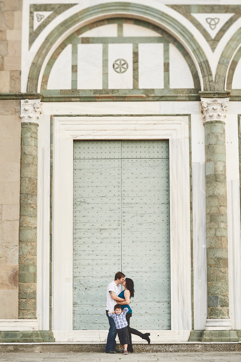 Elegant and lovely family photo shoot at San Miniato al Monte