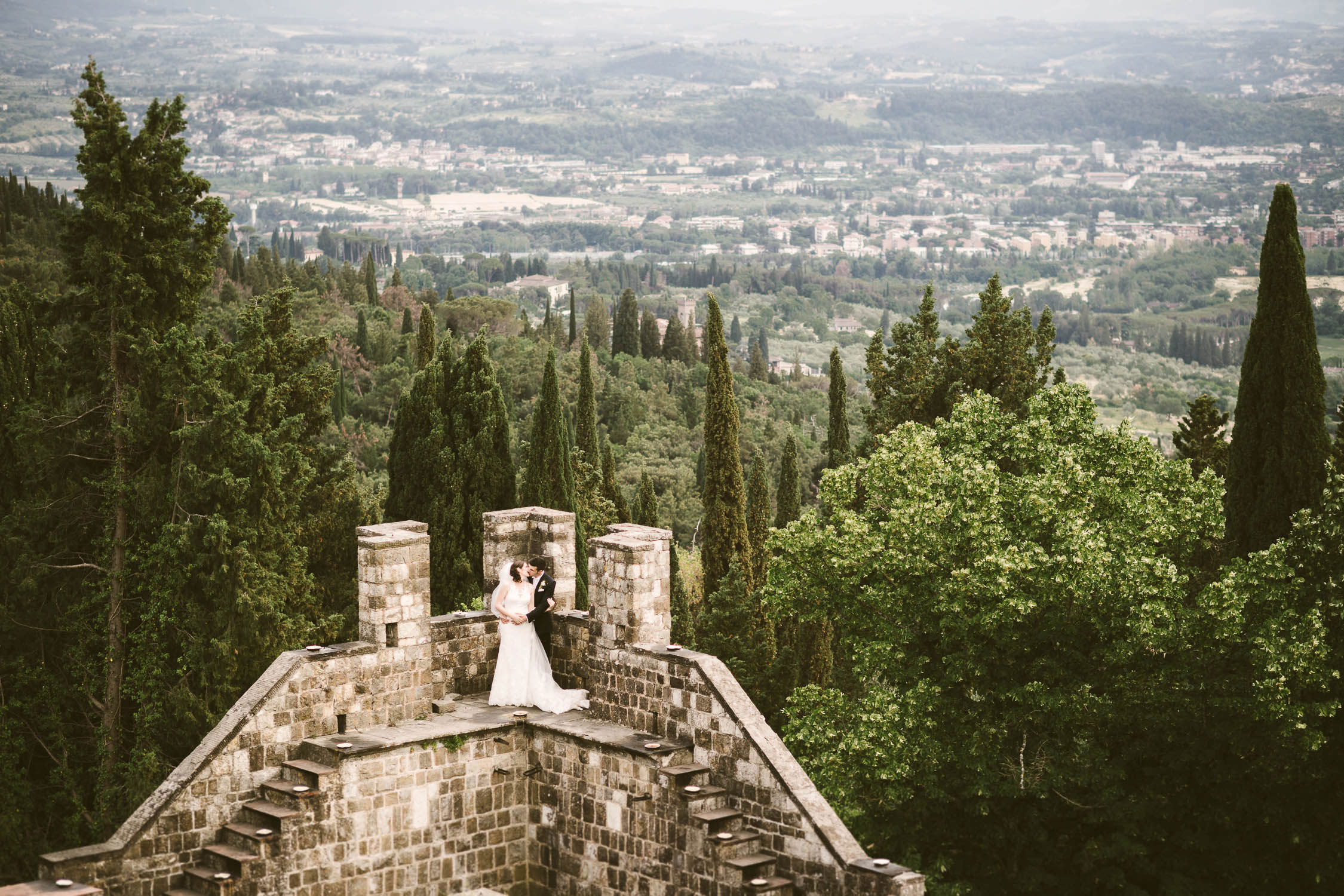 Castle destination weddin in Tuscany near Florence at Vincigliata Castle, Fiesole