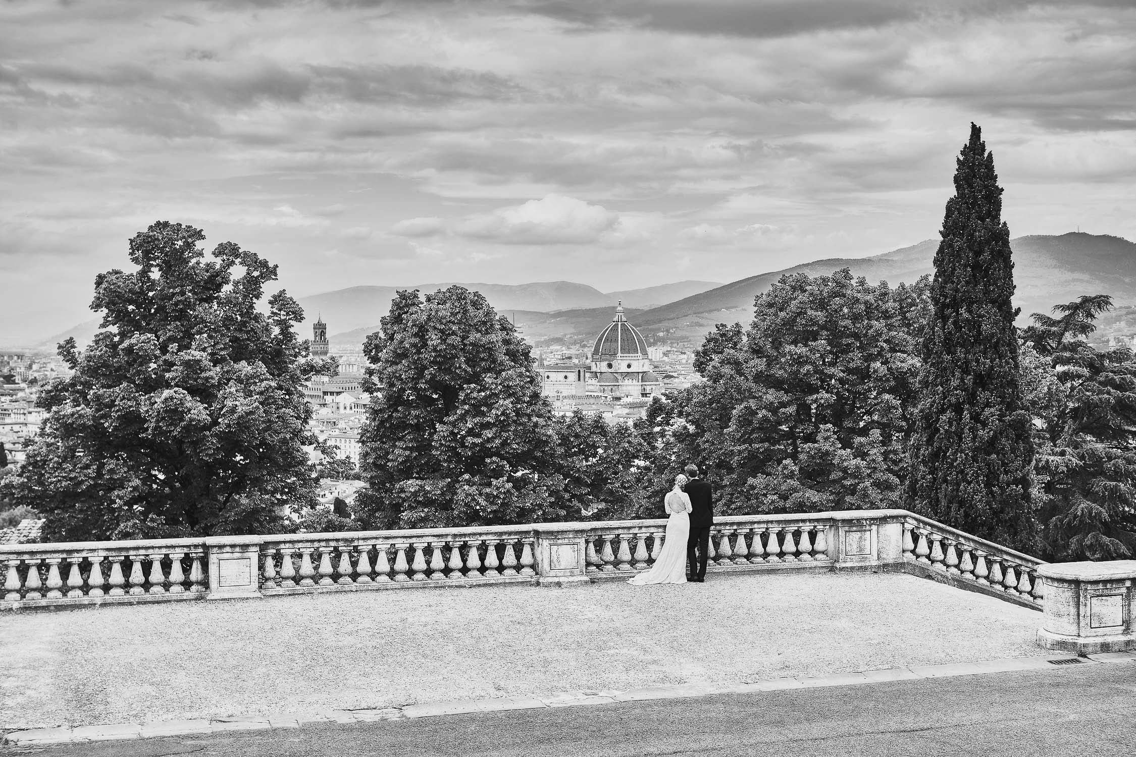 Bride, groom and Florence. Best place to get married in Italy