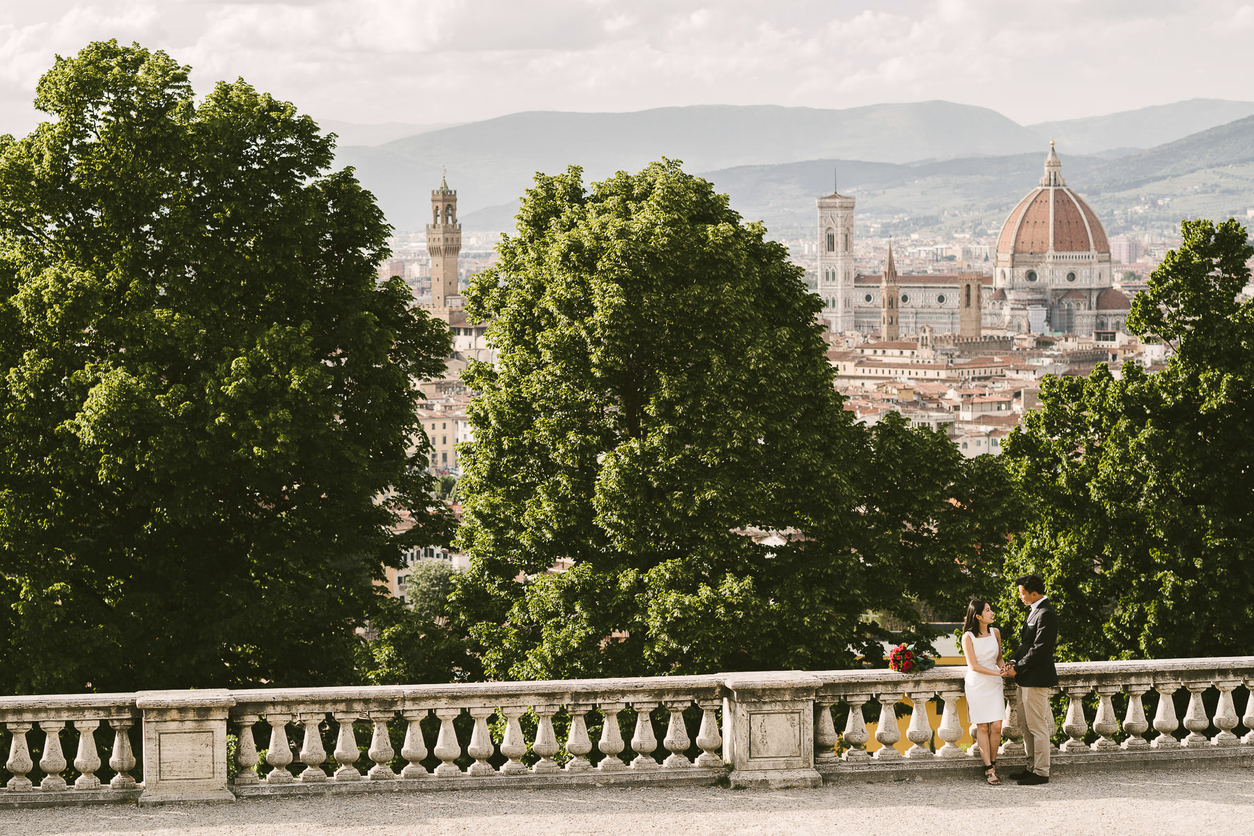 Engagement photos in Florence: the best routes