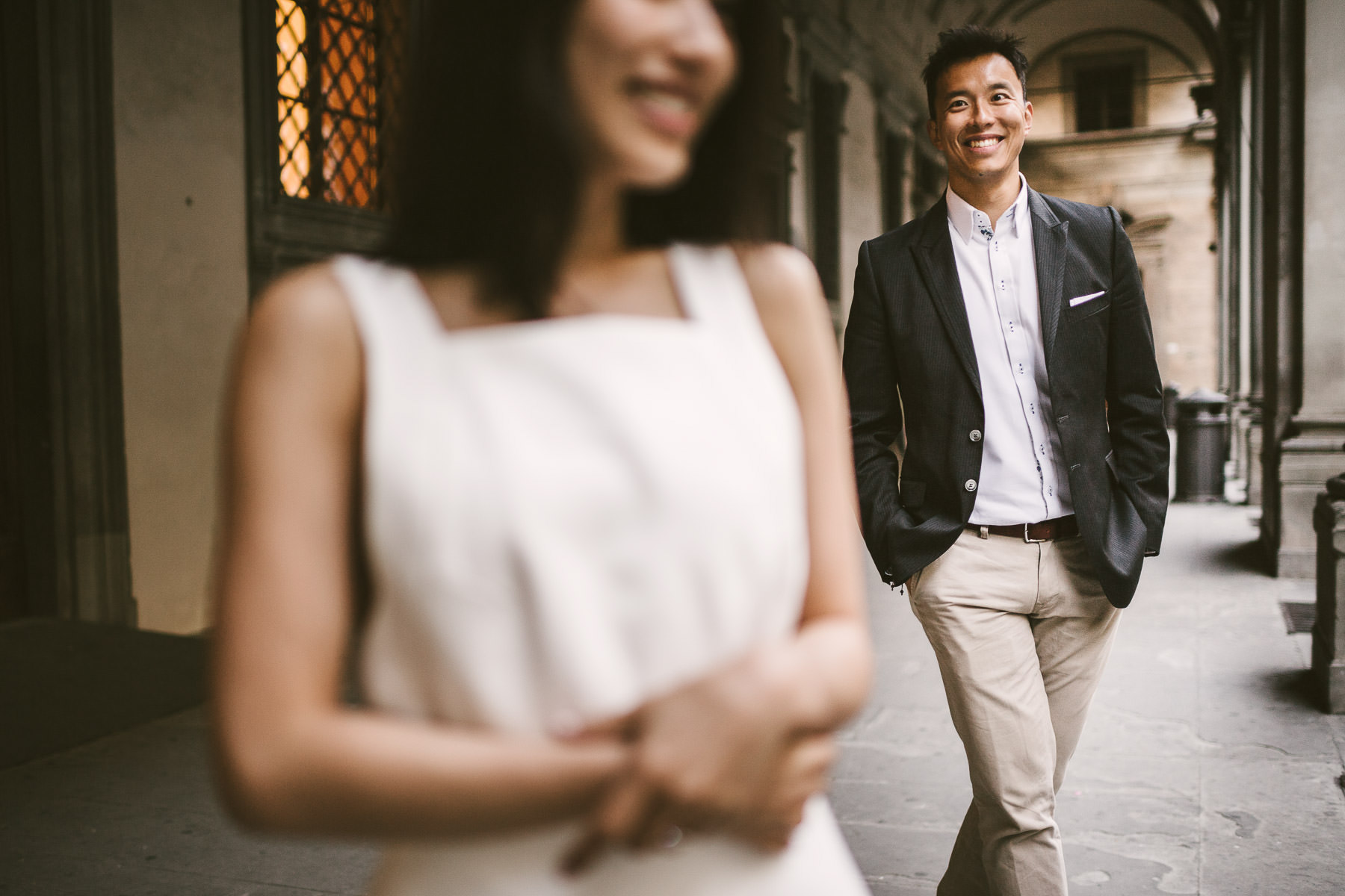 Creative and modern engagement pre wedding photography in Florence