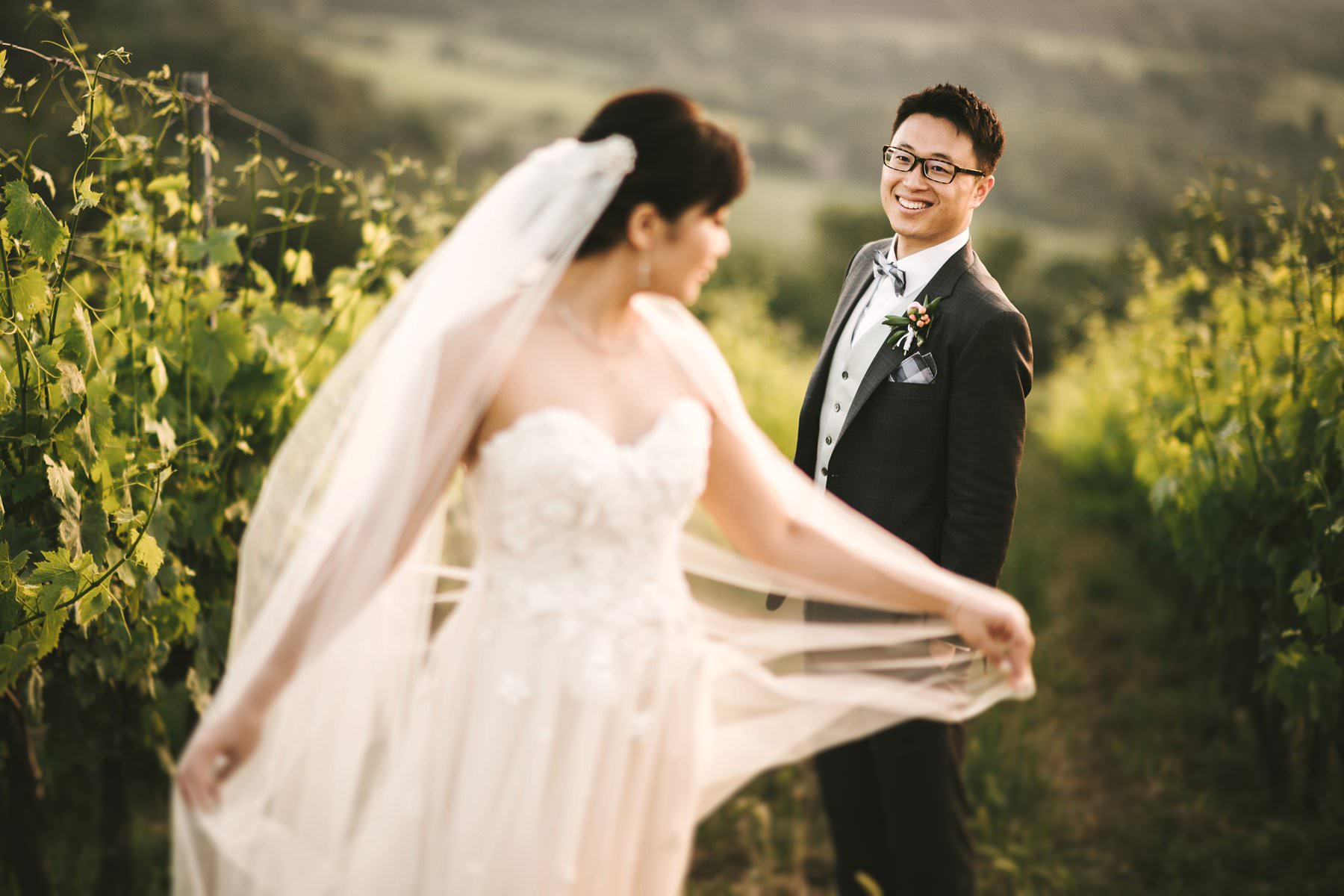 One of the secrets to make your destination wedding unique is to choose the right Italian wedding photographer. Find out why he will be your most reliable ally!