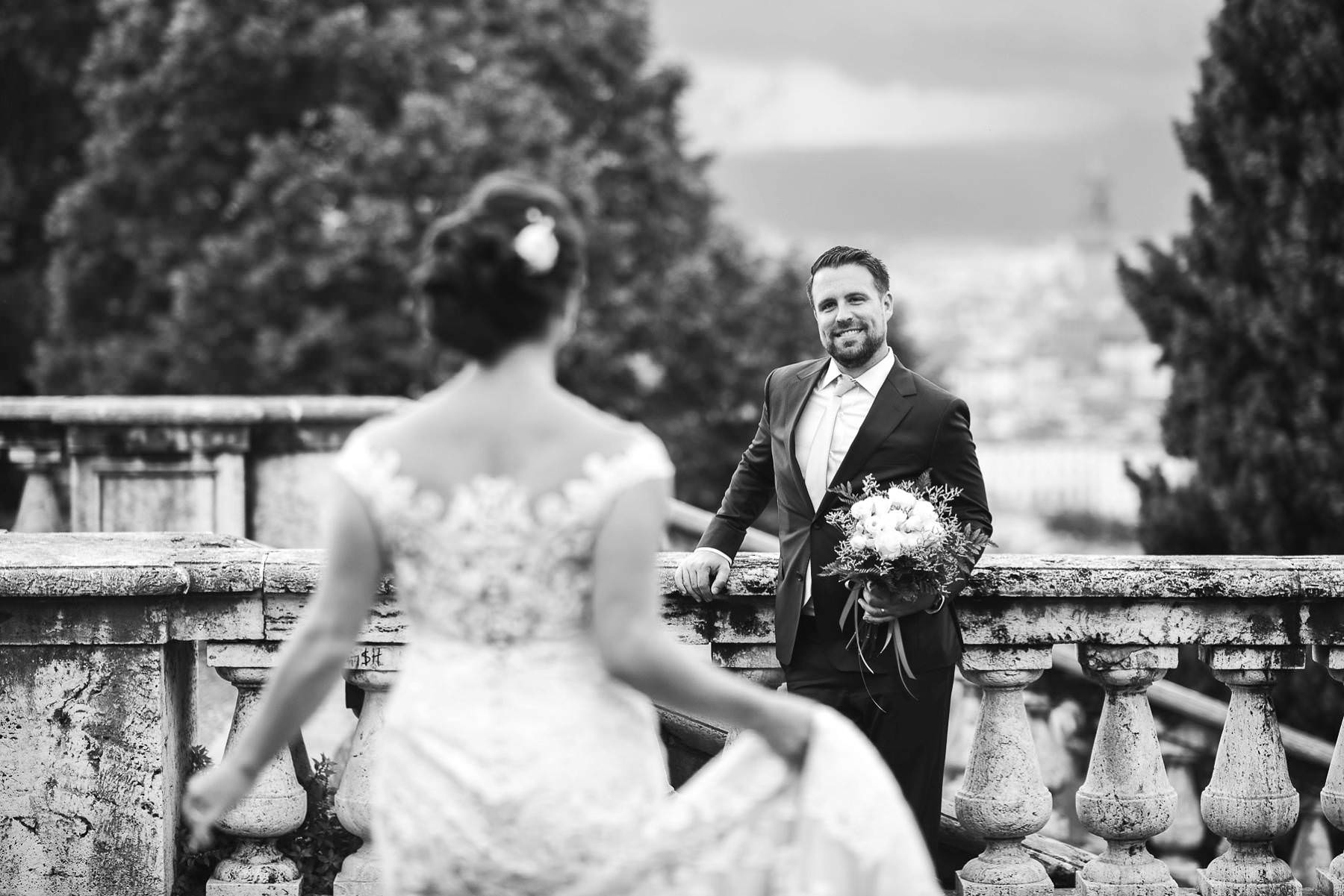 Intimate destination wedding Tuscany countryside Villa Ripanera