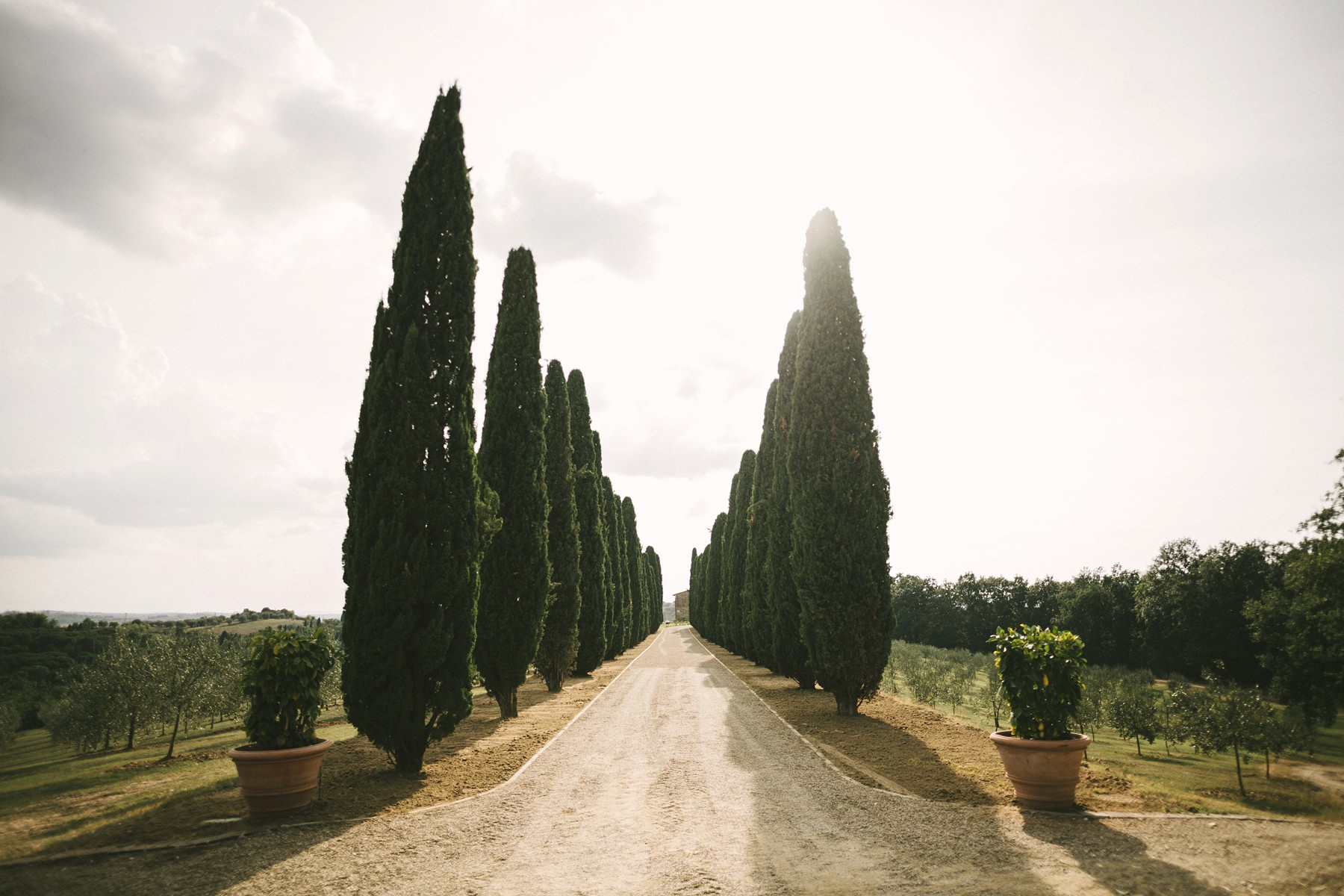 Tuscan farmhouse Casetta is a perfect venue for intimate and elopement weddings surrounded by Chianti green hills