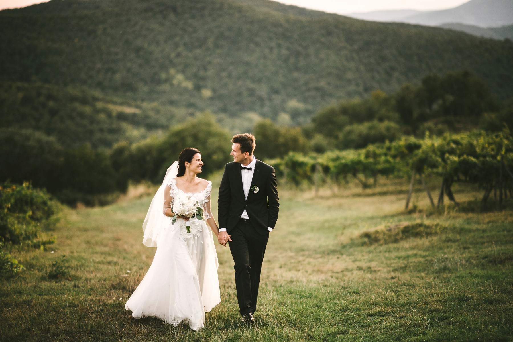 Bride and groom wedding photo at Montelucci country resort in Tuscany