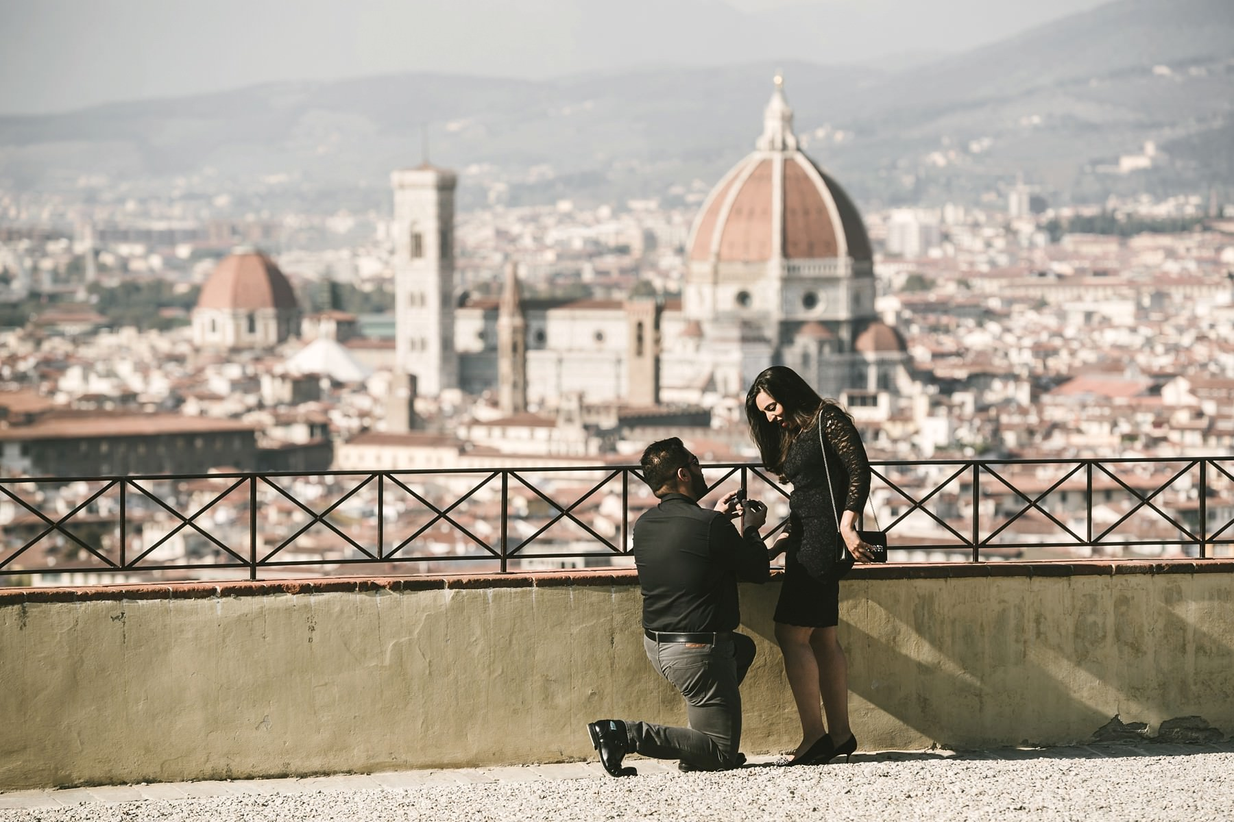 Amaze her with a surprise wedding proposal and photo shoot in Florence!