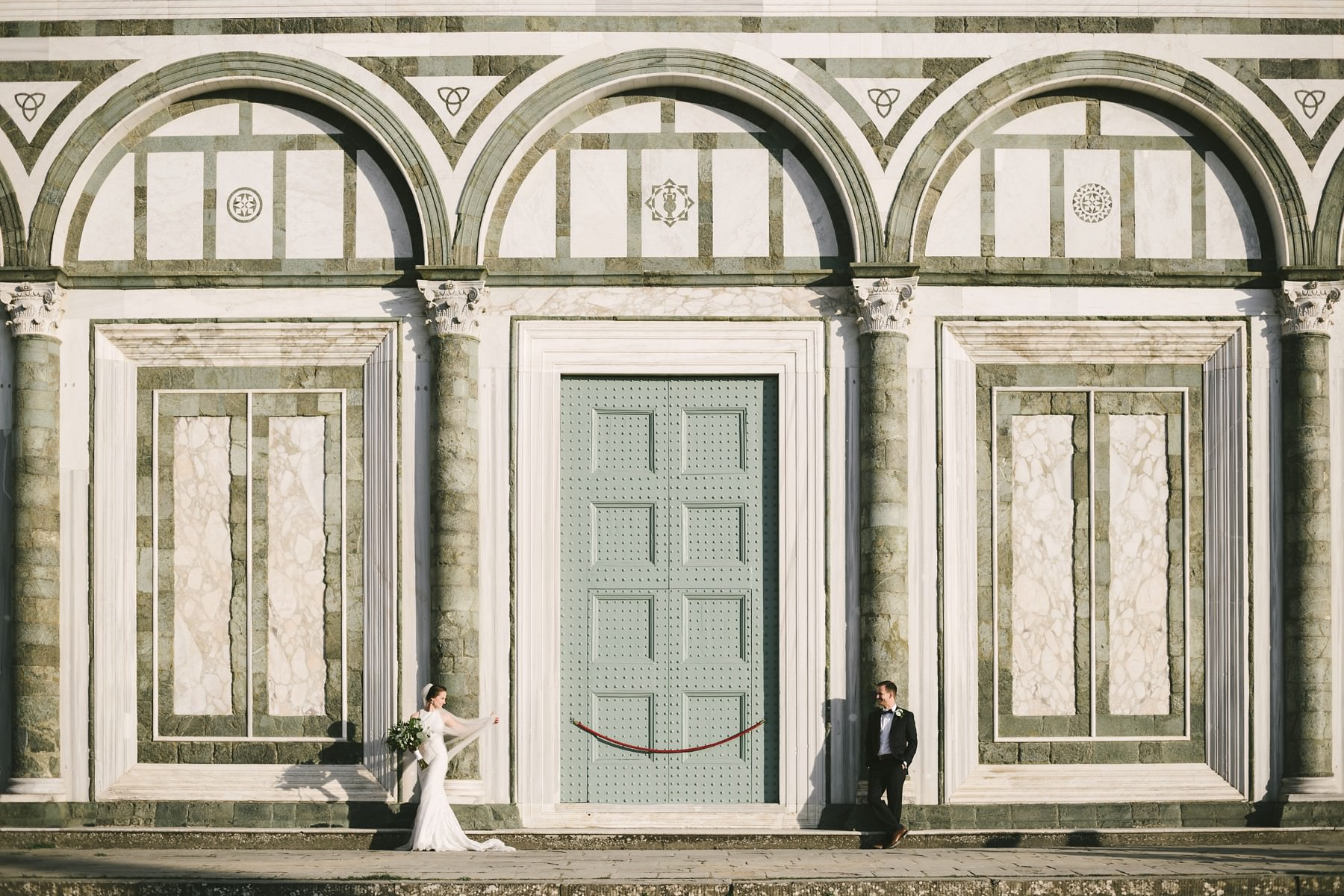 Bride and groom classic portrait in Florence