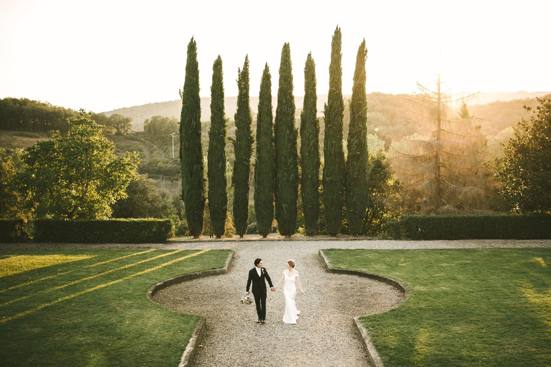 Unforgettable and dreamy elopement wedding portrait in Tuscany countryside Villa La Selva resort