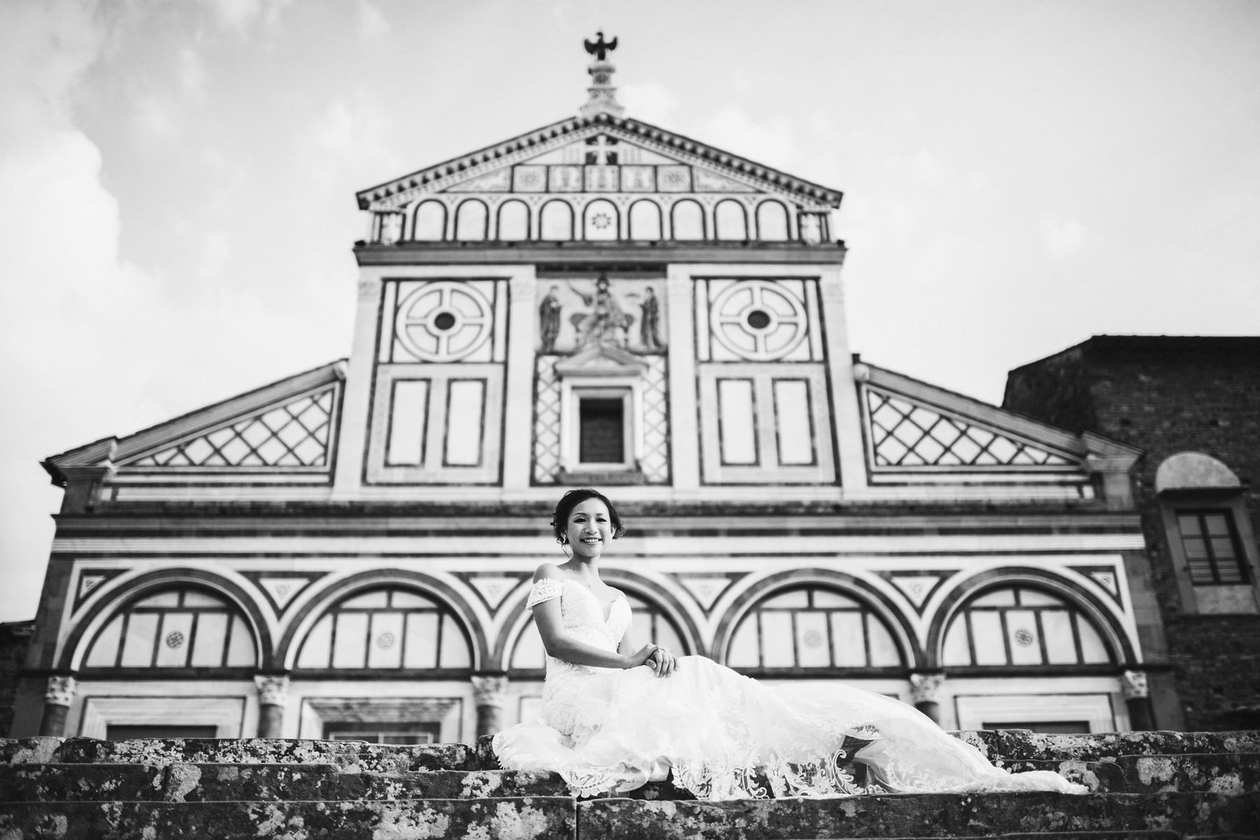 Florence pre wedding photographs with its architecture as a charming background