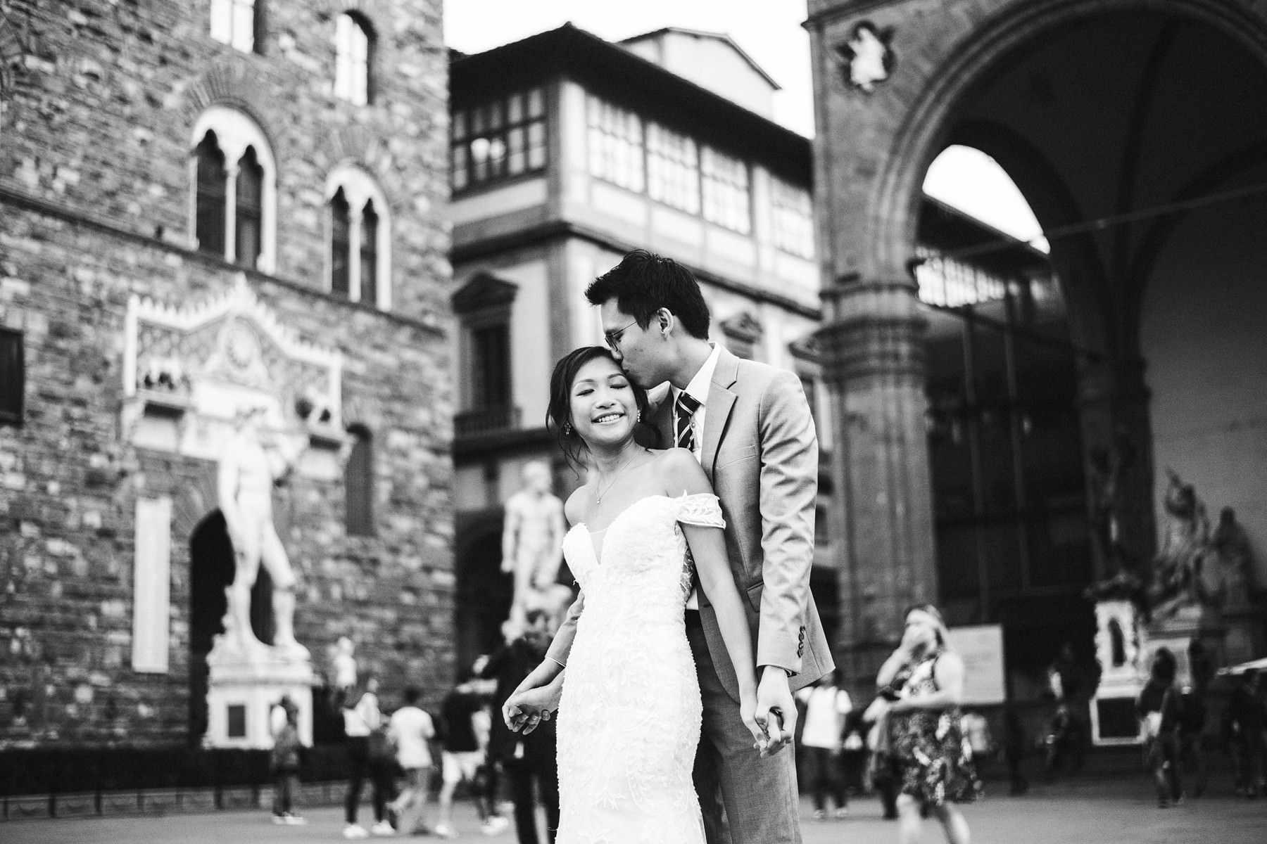 Pre wedding couple portrait in the heart of Florence