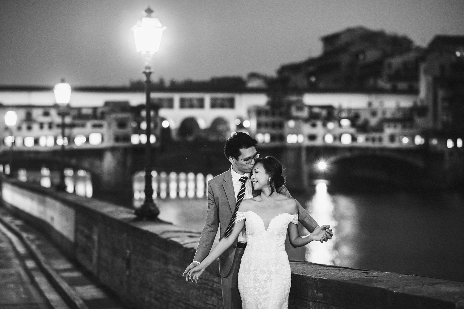 Celebrate your wedding in advance with romantic photos in Florence