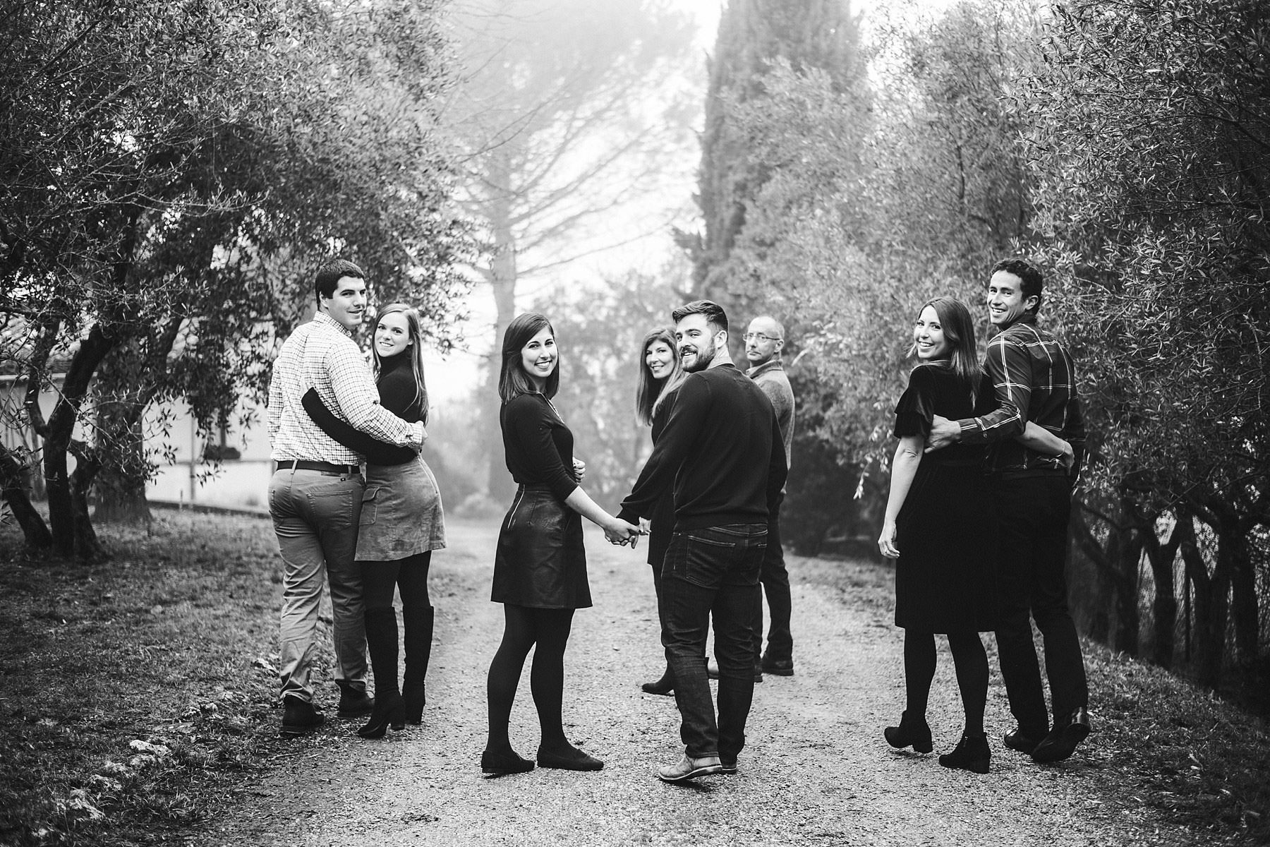 Family reunion photo shoot in Tuscany countryside during Christmas holidays