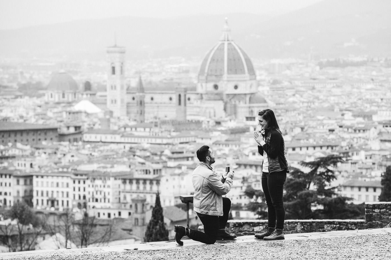 Florence surprise proposal engagement photo shoot in Florence