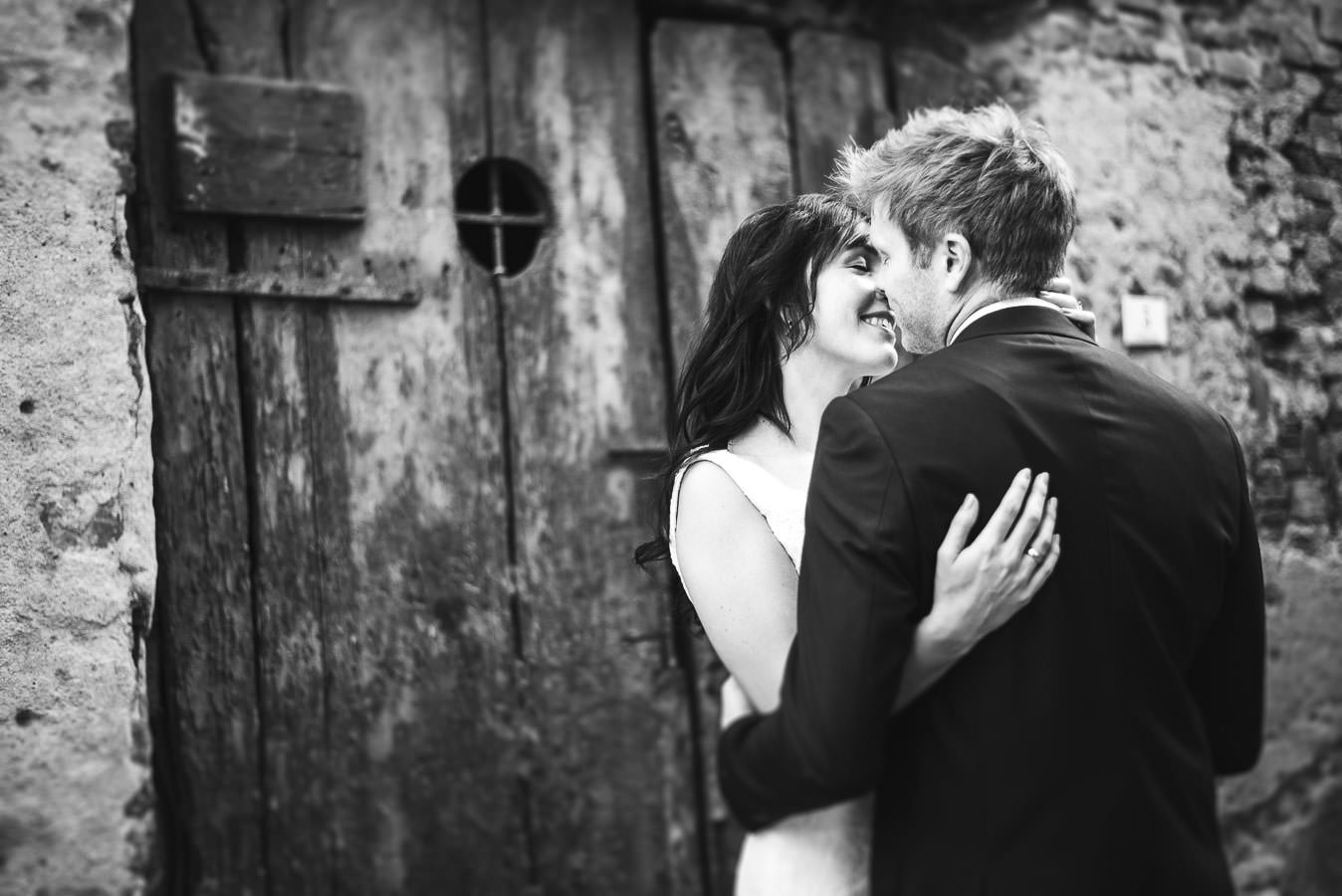 Eloping in Italy at medieval borgo of Peccioli, Tuscany