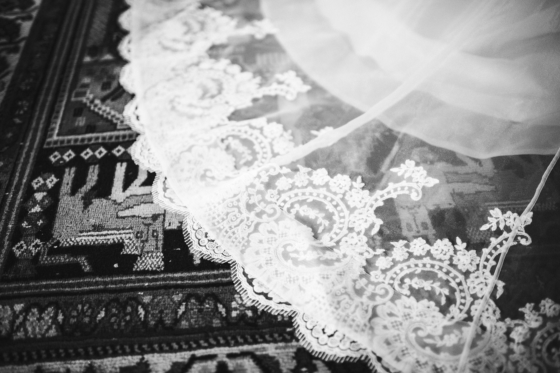 Gorgeous bridal wedding gown by Justin Alexander. Elegant destination wedding in Chianti at Villa Mangiacane