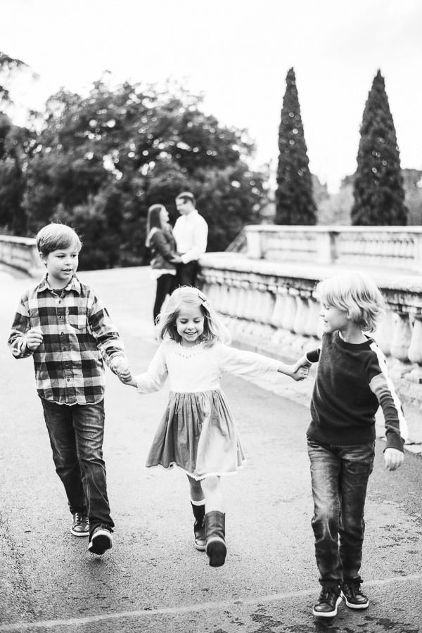 Timeless family photo shoot in Florence city