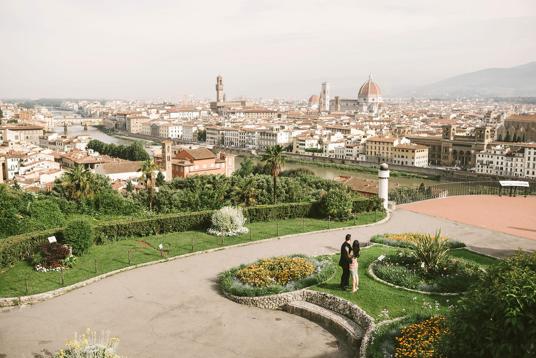Unforgettable and elegant Florence sunrise photo shoot at Piazzale Michelangelo. Enjoy the most beautiful panoramic view