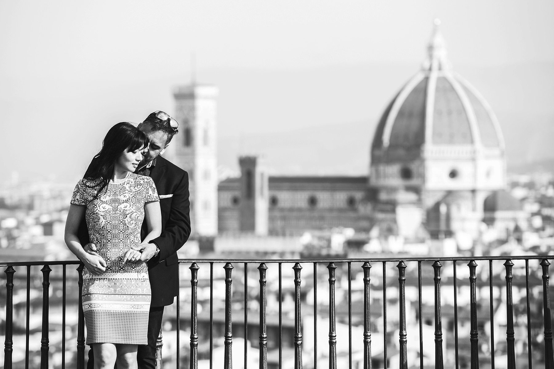 Love is in the air in Florence sunrise photo session