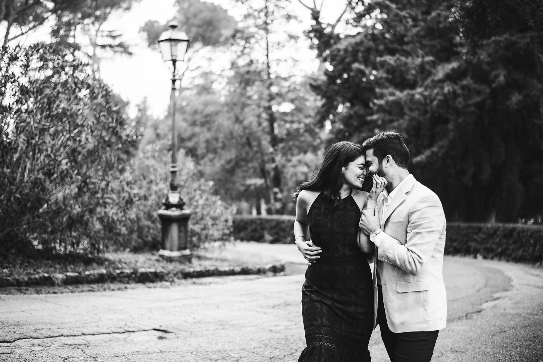 Have a great time with your fiancŽe with a Florence engagement pre wedding photo session