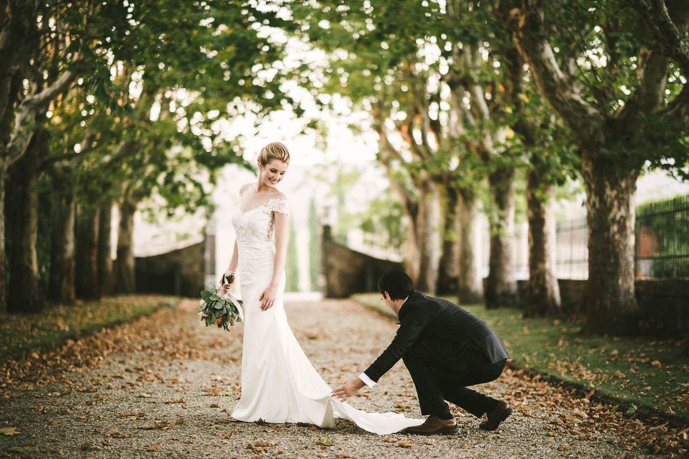Elegant intimate wedding only for bride and groom in Tuscany countryside at Villa La Selva