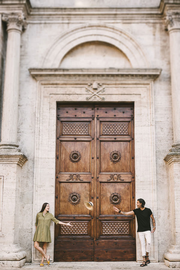 Genia and Dharmender's outdoor engagement photos in Pienza