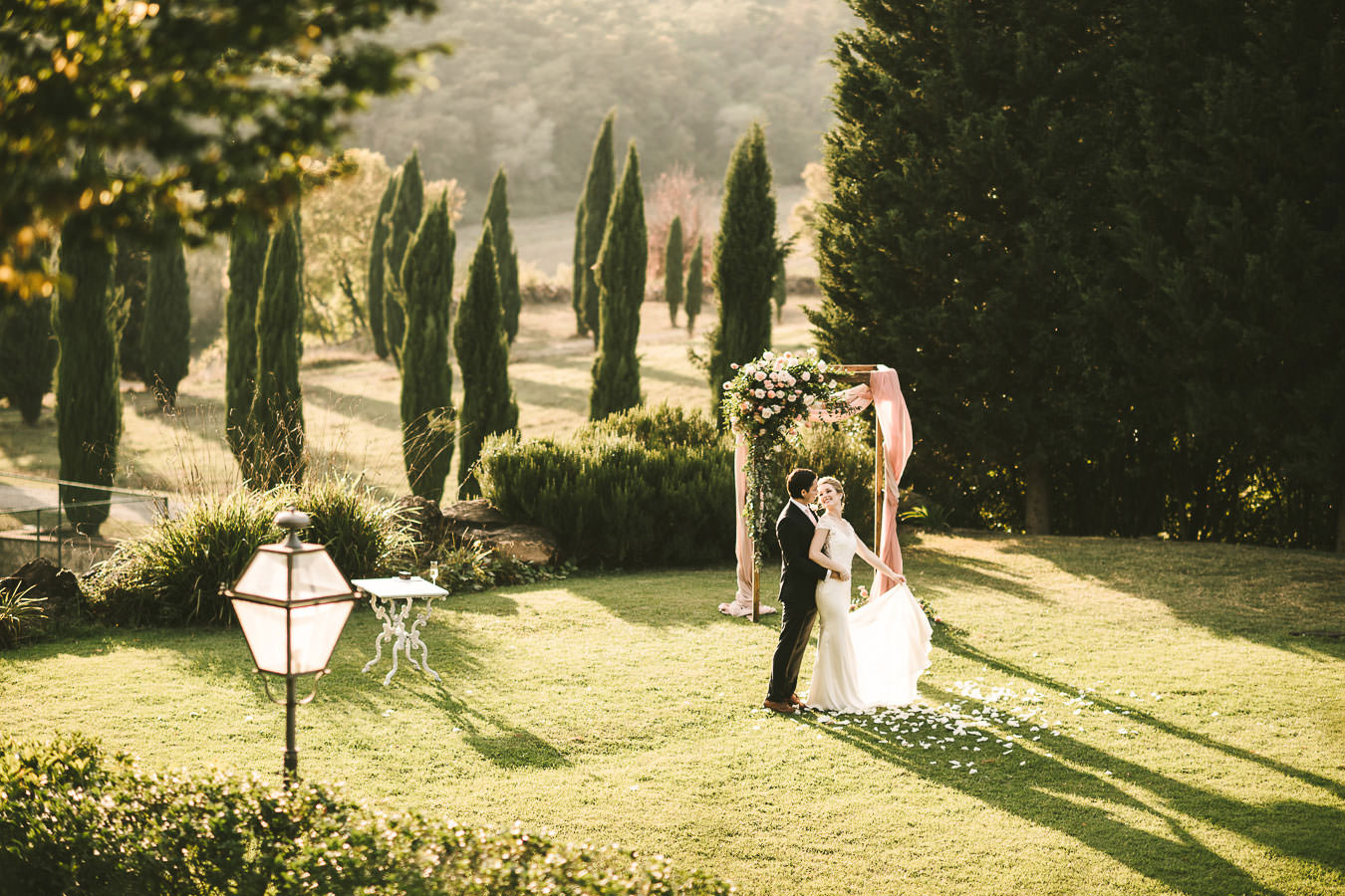 A wonderful elopement in Italy: wedding for two at Villa La Selva Wine Resort