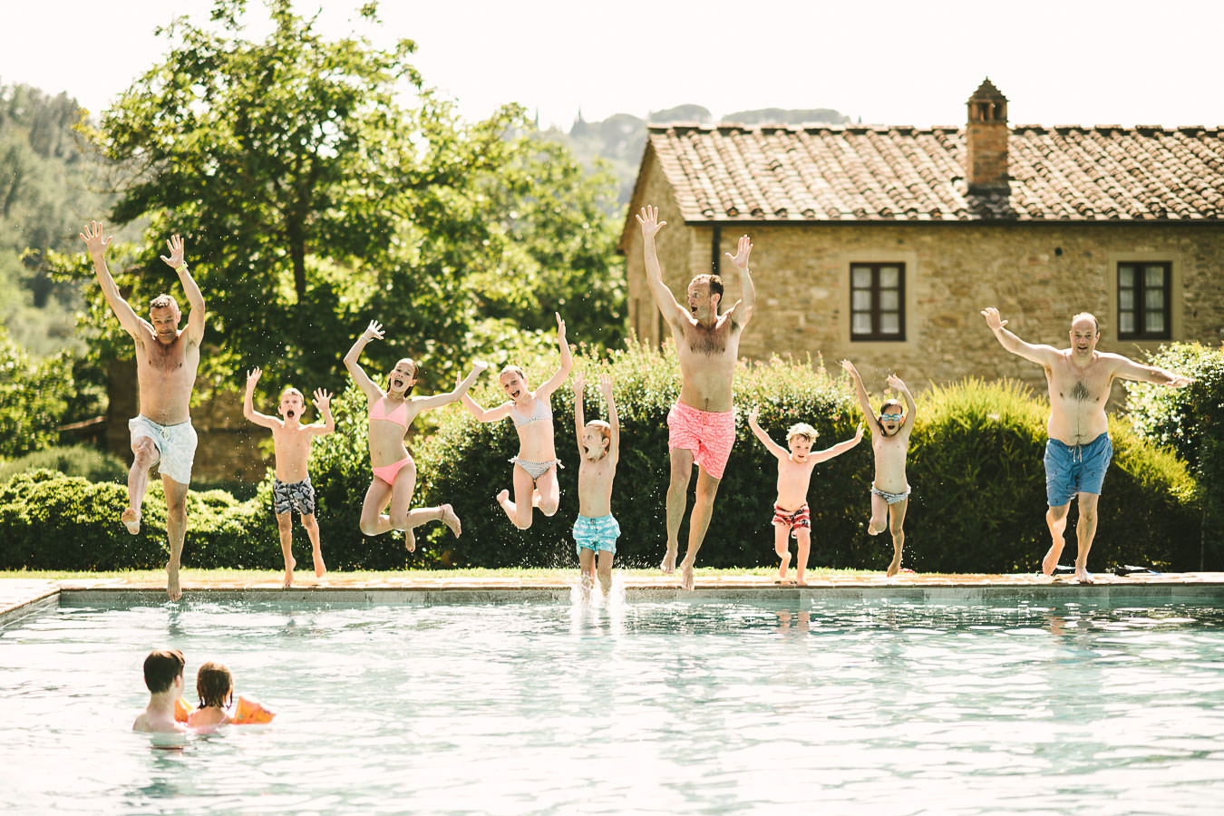 Family vacation photo shoot in Tuscany countryside Val D'Orcia area