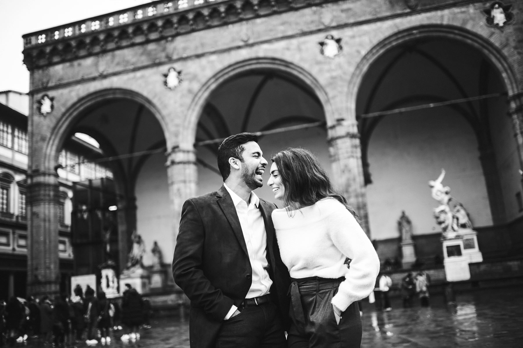 Have a great time during your engagement photo shoot in Florence is a key to build everlasting memories
