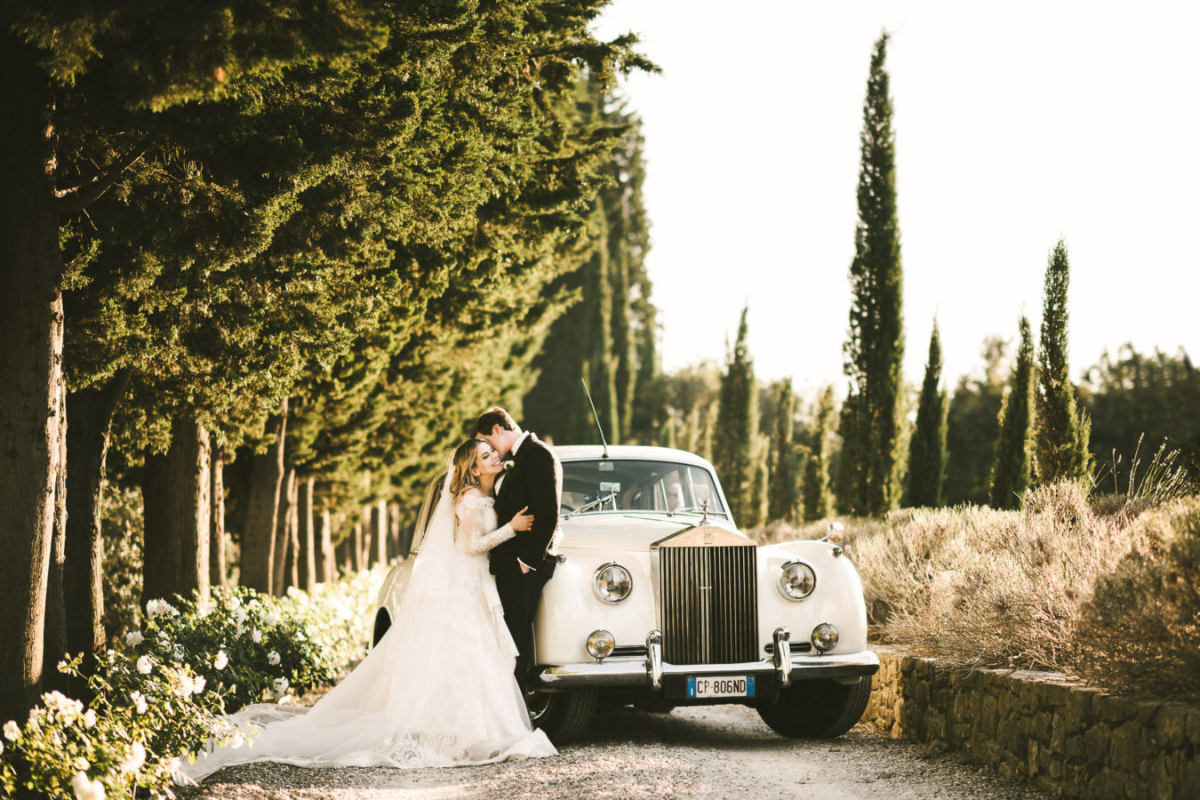 The timeless charm of a wedding in Tuscany, at Villa Mangiacane