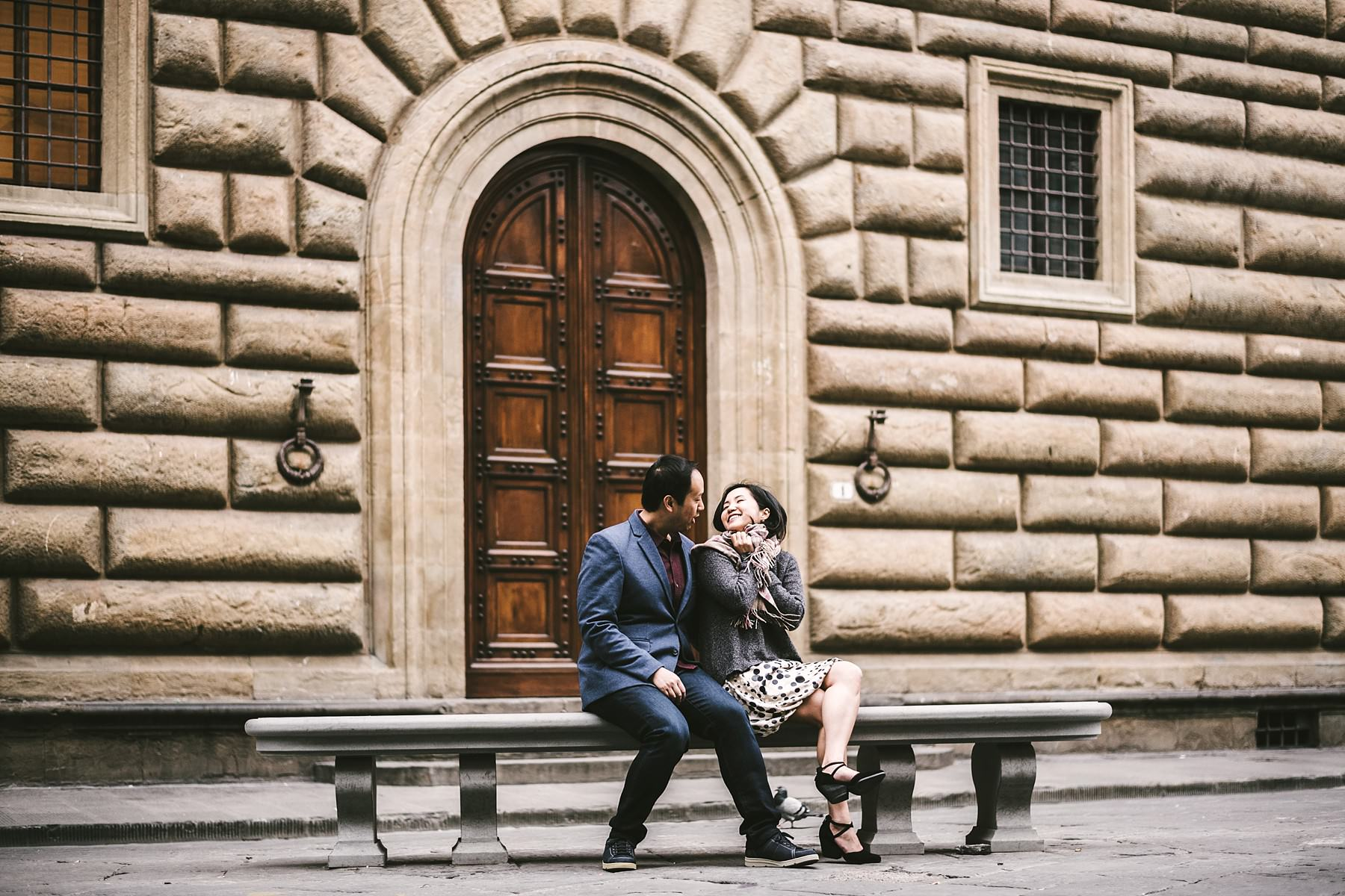 Early morning elegant and candid pre-wedding engagement photo in Florence near Palazzo Gondi