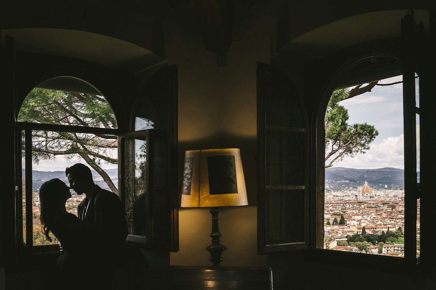 An incredible and breathtaking engagement photo session completely customised at historical residence of Torre Bellosguardo in Florence