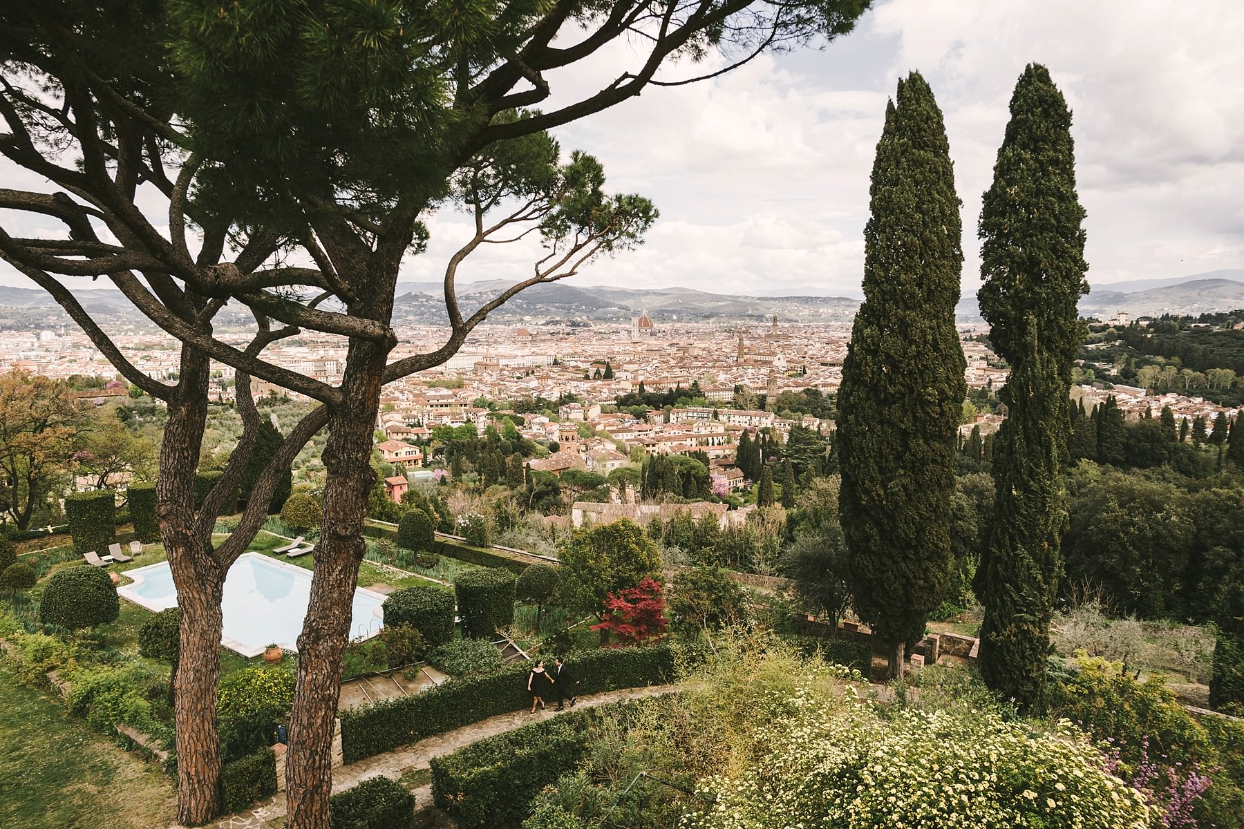 Incredible engagement pre-wedding photo session in Tuscany. Bellosguardo in Florence was the first set. The historical residence is built on a gentle hill that overlooks the city a perfect spot for gorgeous photos