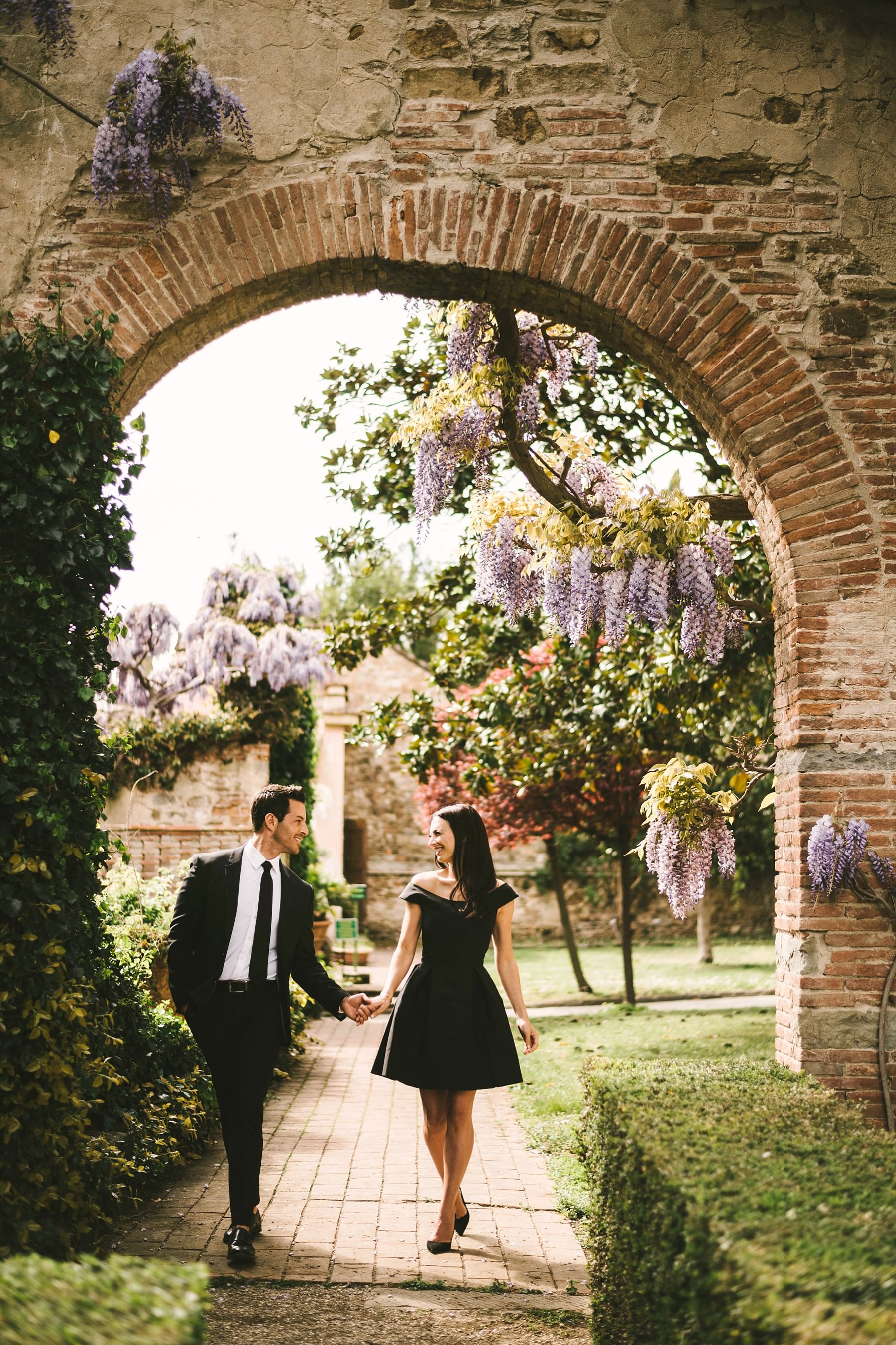 Elegant and charming vacation engagement photo shoot in the most amazing venue in Florence the historical residence of Torre Bellosguardo