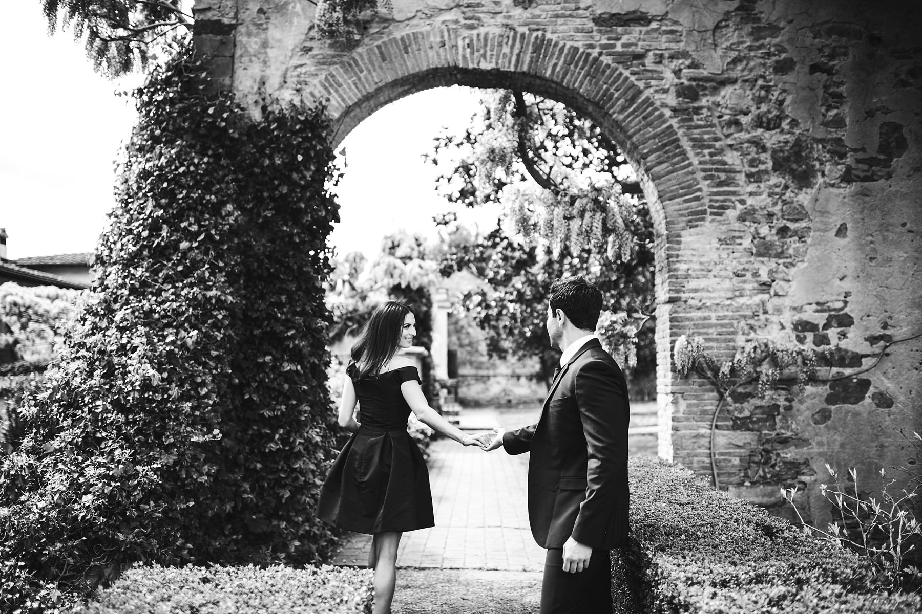 Enchanting memory to cherish forever. Your love deserves to be celebrated. Elegant and unique engagement pre-wedding photo shoot at Torre Bellosguardo