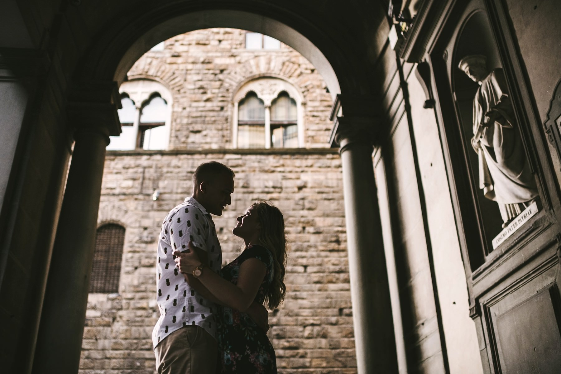 Creative and artistic engagement photo shoot in Florence